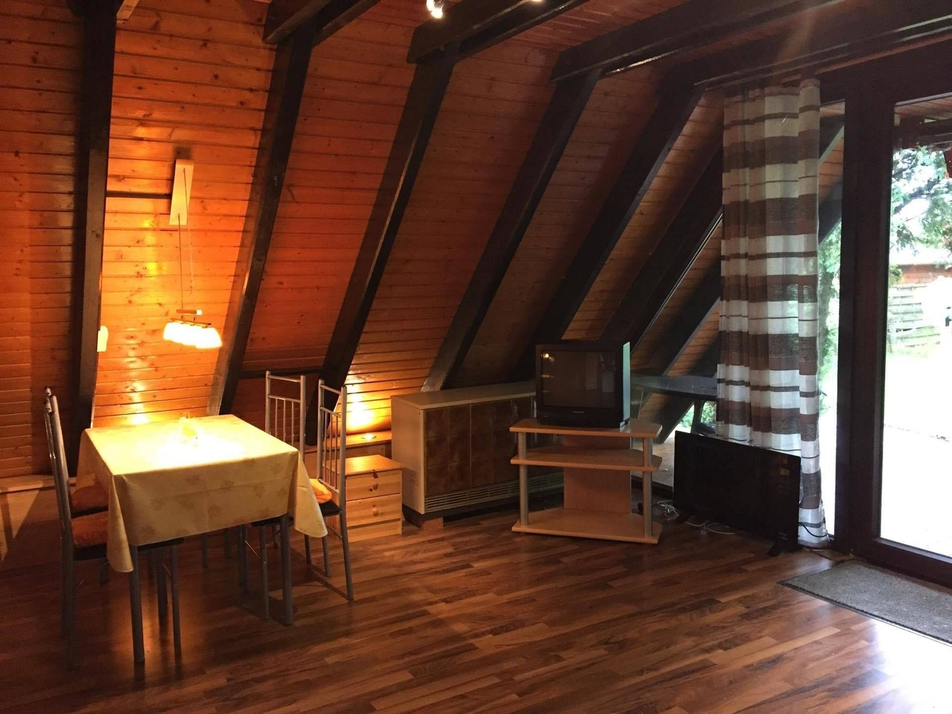 Familienfreundliches Ferienhaus mit Waldrand Lage Ferienhaus  Blankenheim