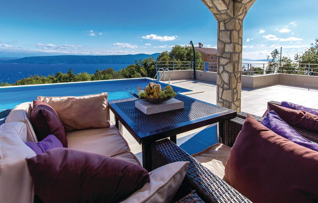 VillaBlu2 Doppelhaushälfte Fantastic Seaview, Ferienhaus in Kroatien