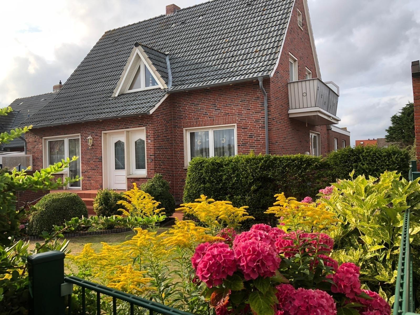 Haus Südstrandliebe - Whg. Lona (250 Meter zu Ferienwohnung  Borkum