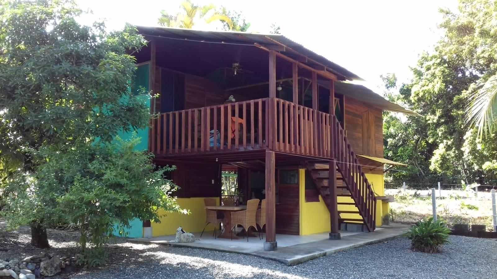 Haus mit trop. Garten am Cahuita Nationalpark